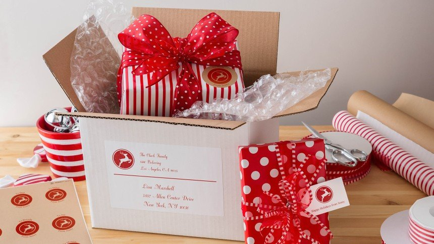 Add a seasonal finish to your Christmas parcels