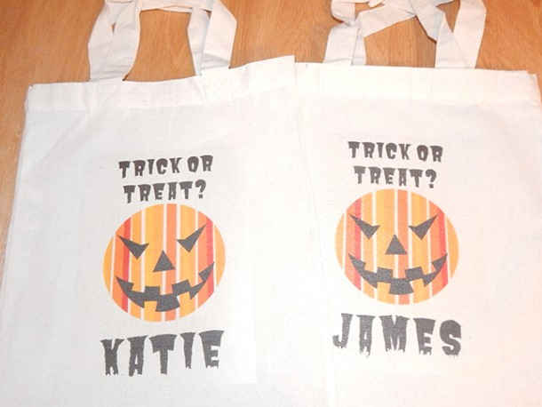 Use Avery Fabric Transfers and Design & Print to create your own Halloween bag